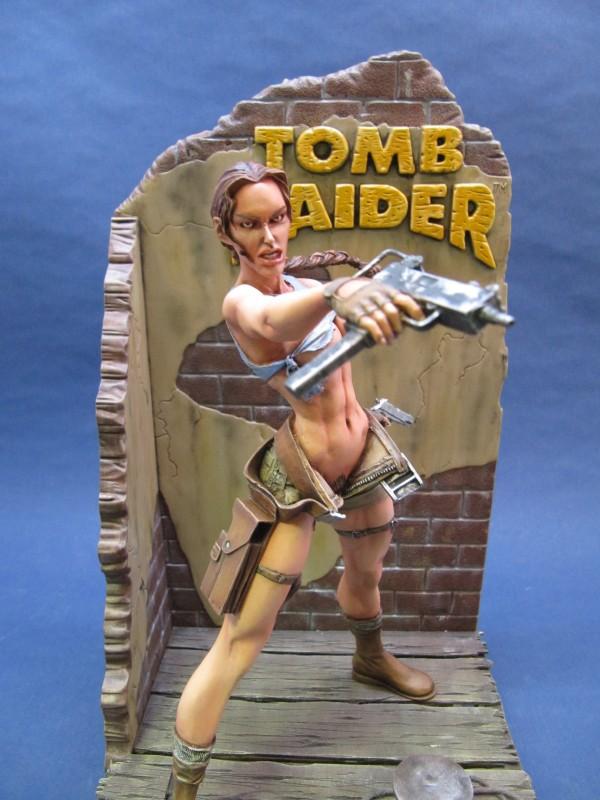 Lara Croft 1/8.