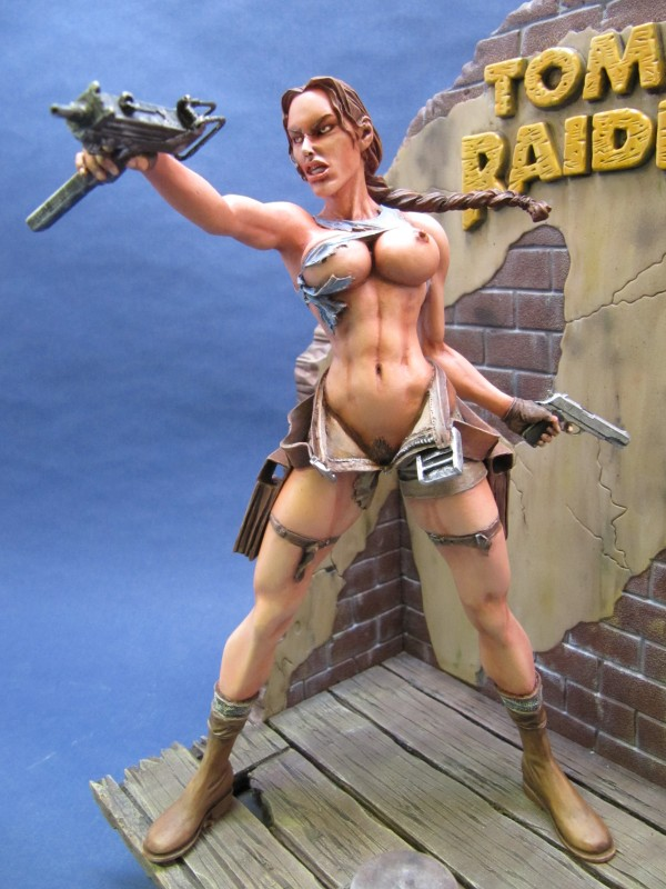 Lara Croft 1/8.