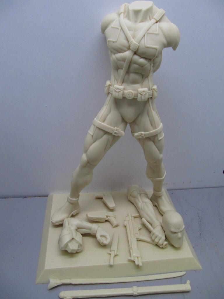 Statue Deadpool 1/6.