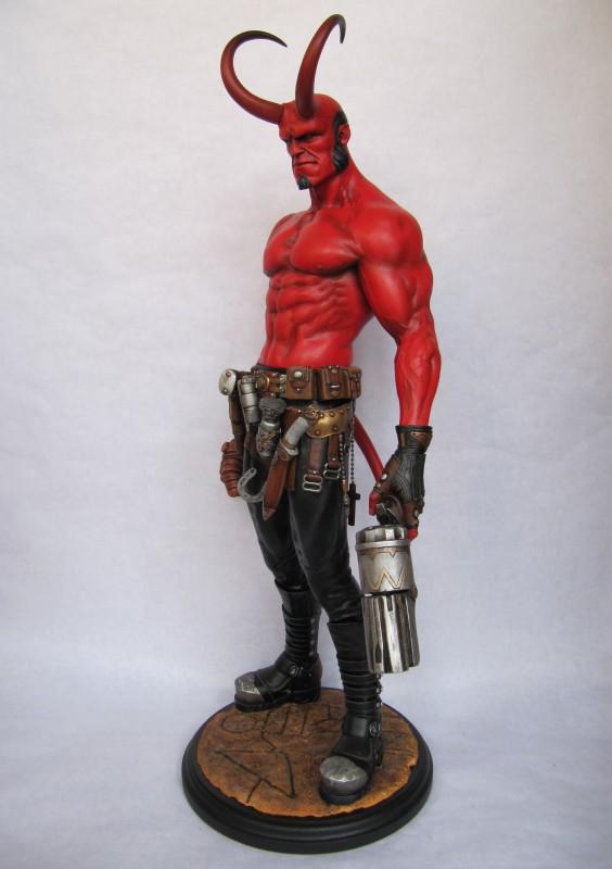 Statue Hellboy 1/4.