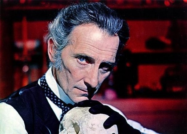 Buste Peter Cushing.