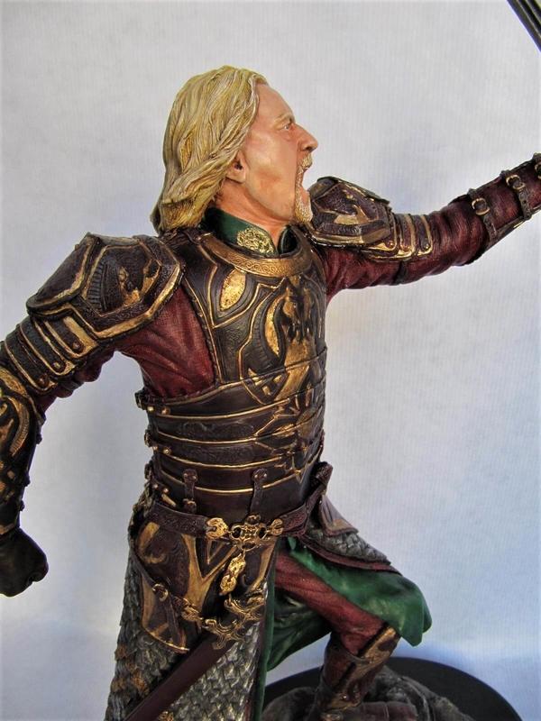 theoden statue