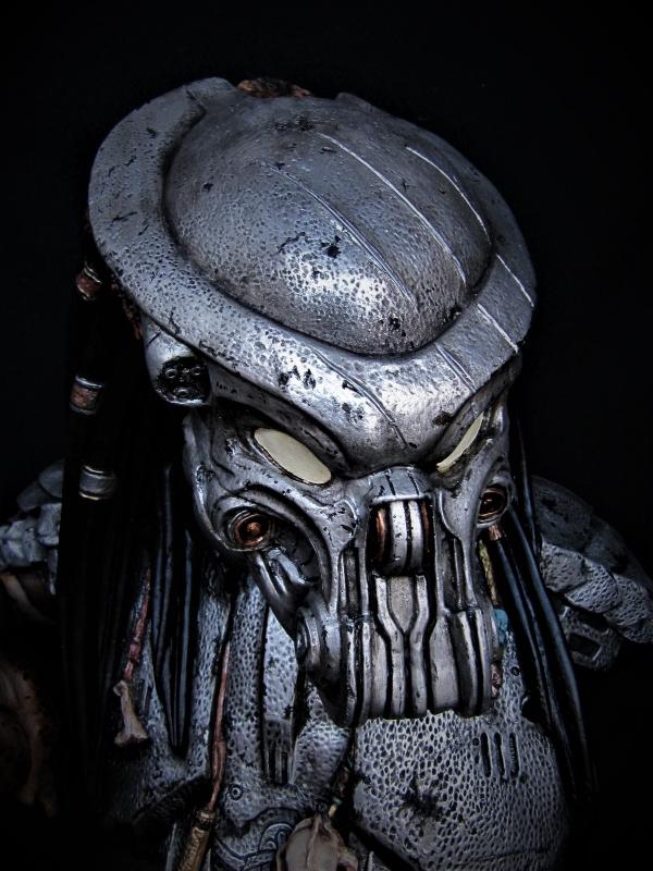 Buste Predator 1/2.